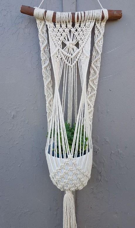 Плетеные кашпо для декора дома в техник макраме