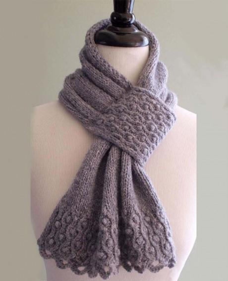 Красивый шарф спицами с шишечками