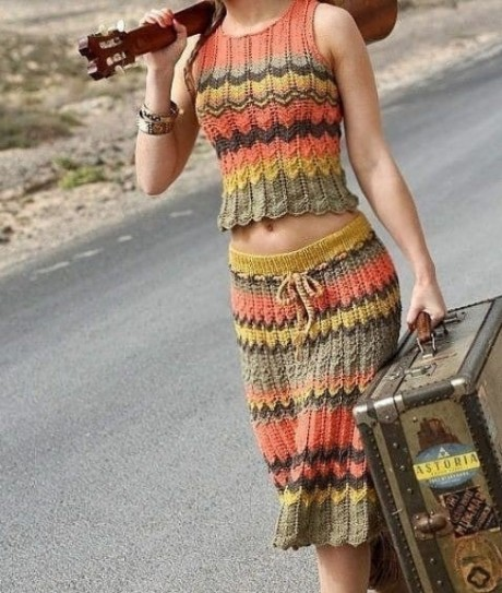 Платья и сарафаны можно связать на лето спицами