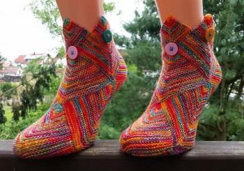 Красивые носки в технике пэчворк спицами, мастер-класс!