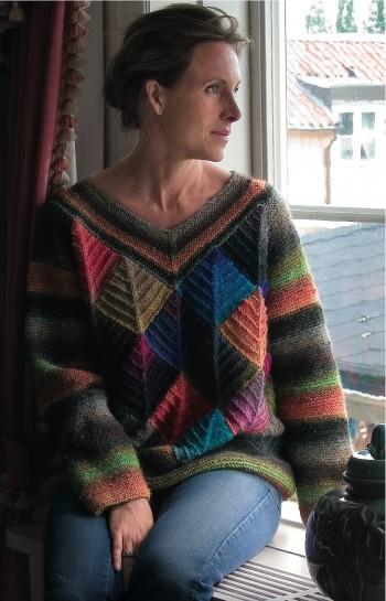 Классический пуловер в технике пэчворк спицами