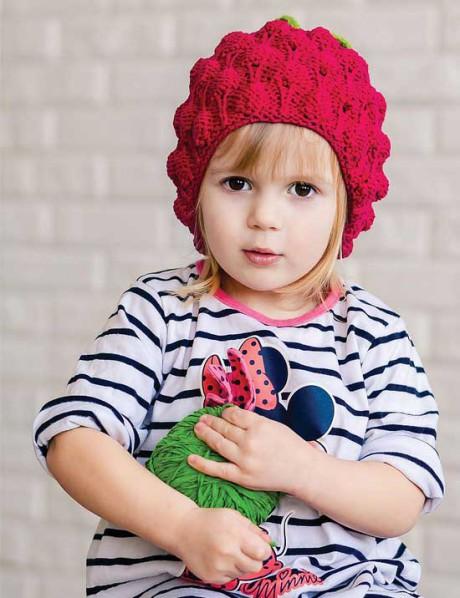 Шапка для девочки спицами – малинка
