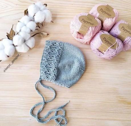 Чепчик связанный спицами для новорожденного
