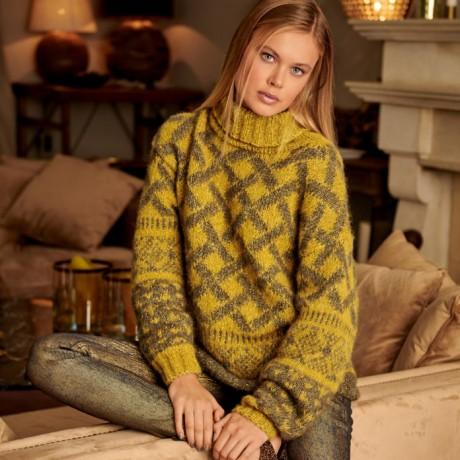 Желтый свитер для женщин с жаккардовыми узорами