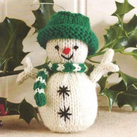 Снеговик спицами - новогоднее украшение. Вязание спицами.