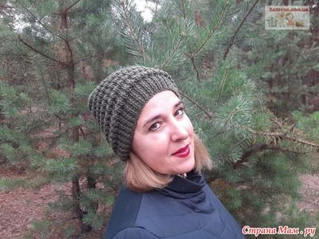 Женская шапка спицами с узором Волна