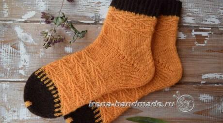 Очень красивые носки с пяткой БУМЕРАНГ спицами