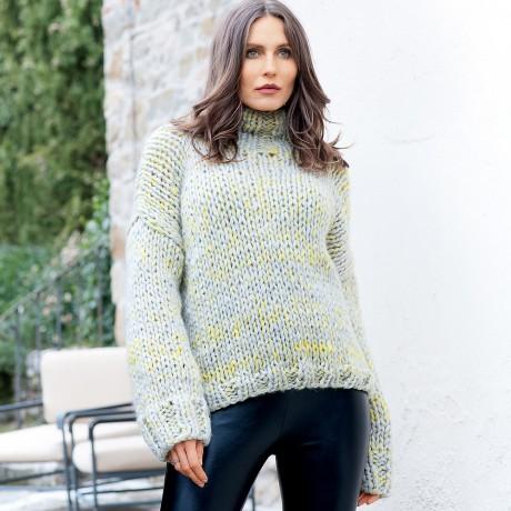 Простой свитер крупной вязки спицами
