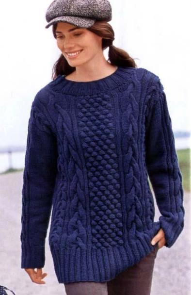 Удлиненный свитер с косами
