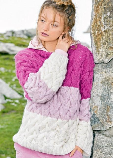 Классный свитер с объемными косами