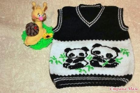 Жилет для мальчик спицами с пандами