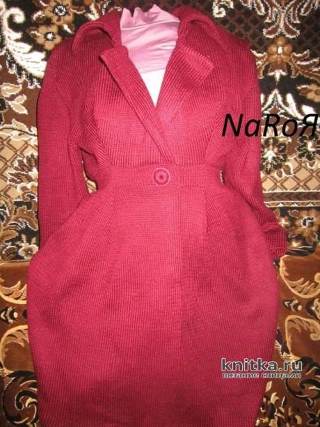 Женское пальто спицами. Работа Натальи Круминьш Романович вязание и схемы вязания