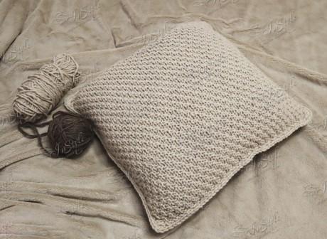 Чехол для подушки спицами