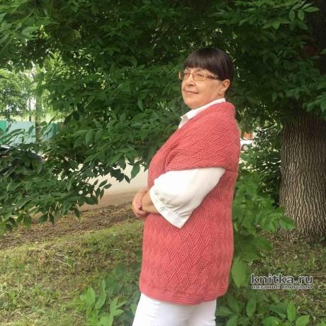 КРАСИВЫЙ женский жилет спицами. Работа Ирины вязание и схемы вязания