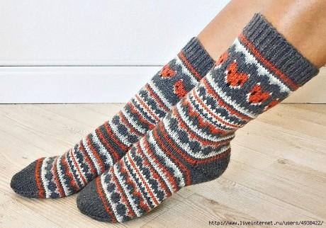 Забавные носки спицами с жаккрадом 0