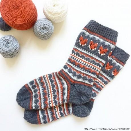 Забавные носки спицами с жаккрадом 6