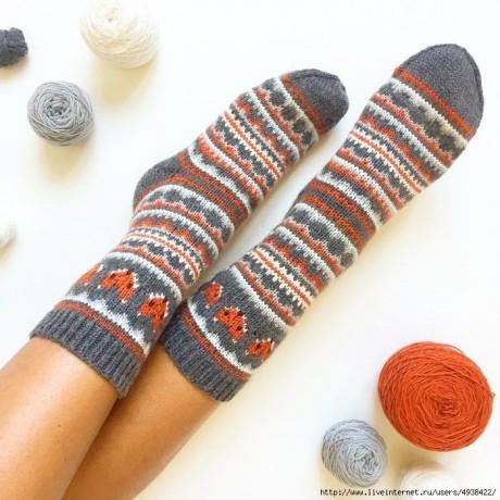 Забавные носки спицами с жаккрадом 7