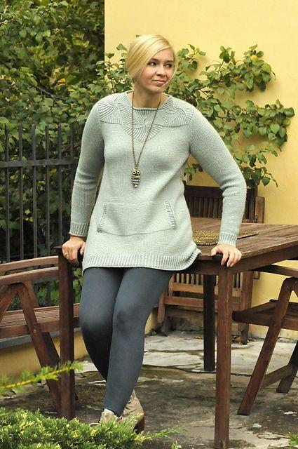 Женский свитер спицами с красивой кокеткой. Вязание спицами.