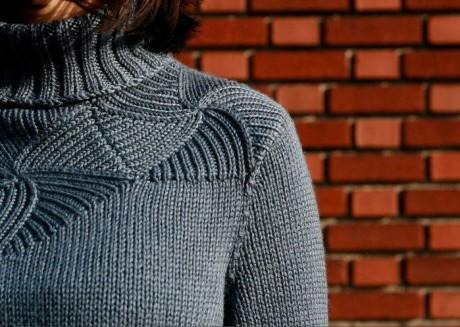 Женский свитер с высоким горлом 1