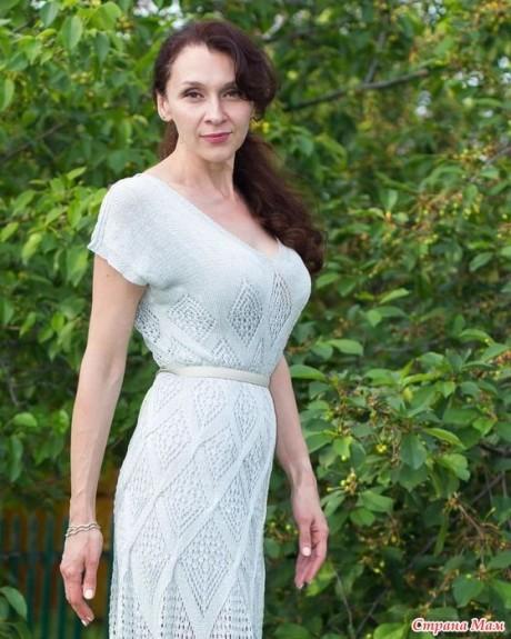 Летнее платье спицами из шелка 6