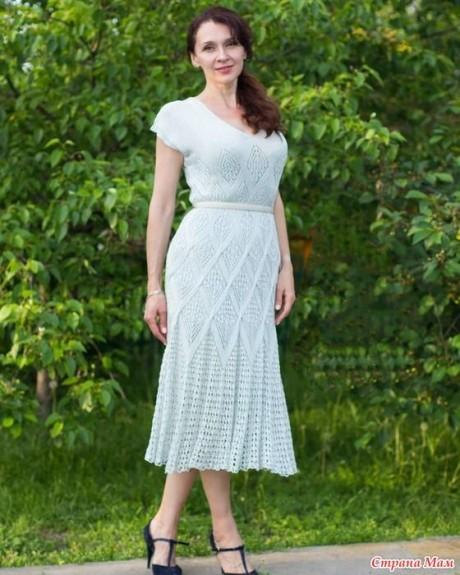 Летнее платье спицами из шелка 7