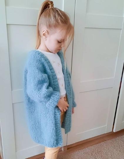 Кардиган для девочки спицами