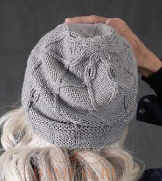 Женская шапка спицами 1