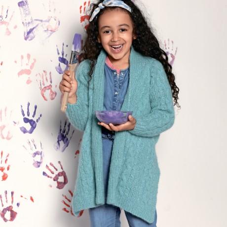 Кардиган для девочки 3-11 лет с узором из кос связанный спицами