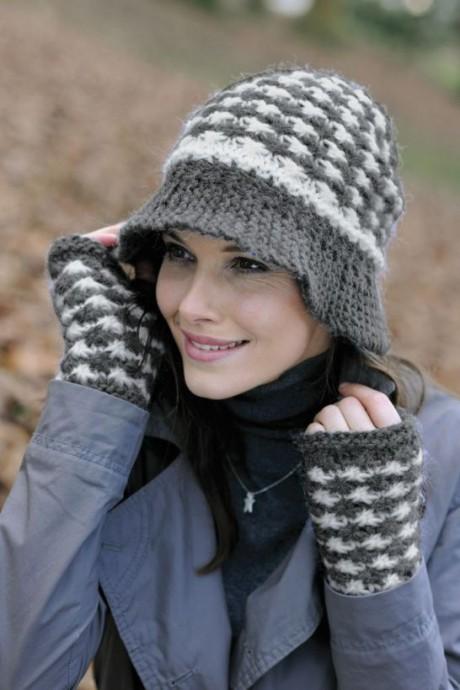 Теплая шляпка и митенки спицами