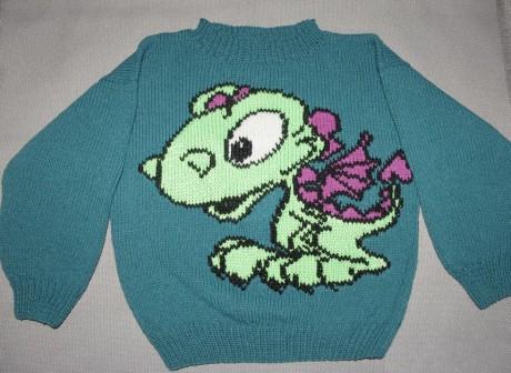 Детский свитер спицами с динозавром