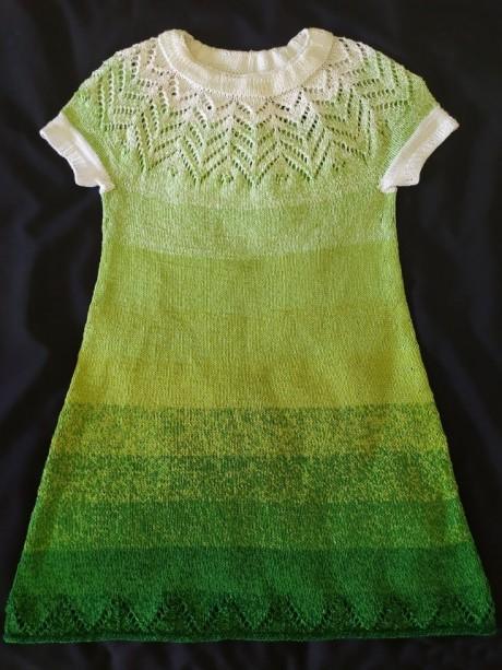 Платье спицами для девочки 5-6 лет