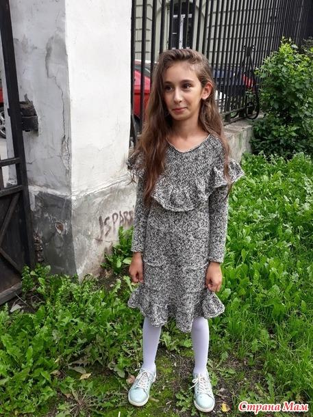 Платье спицами для девочки ЧАЙКА