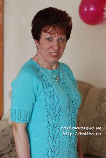 Вязаное спицами платье. Вязание спицами.