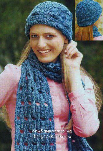 Вязаная спицами шапочка и шарф