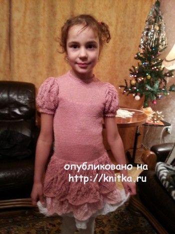 Детское платье связанное спицами. Вязание спицами.