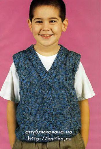Вязаная спицами безрукавка для мальчика. Вязание спицами.