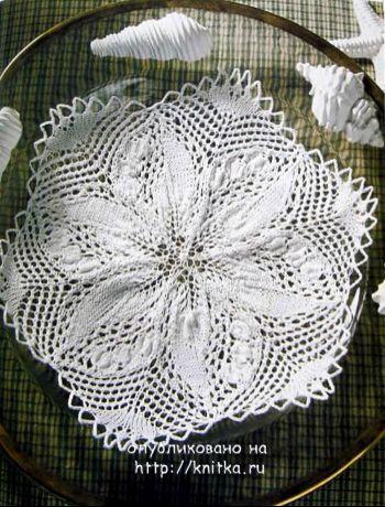 Белая ажурная салфетка спицами. Вязание спицами.