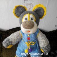 Вязаный спицами мишка – работа Елены