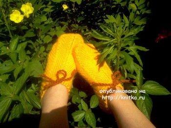 """Тапочки """"солнечные"""" – работа Светланы. Вязание спицами."""