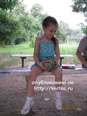 Летняя маечка спицами – работа Елены. Вязание спицами.