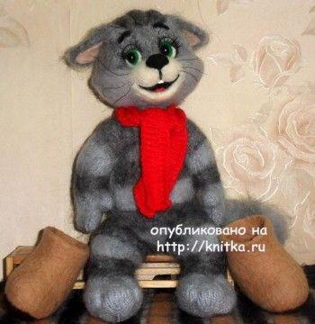 Вязаный кот Матроскин – работа Ирины. Вязание спицами.