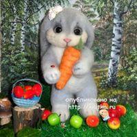 Вязаная игрушка кролик – работа Ирины