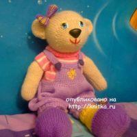 Медведица Эльза связанная спицами – работа Алены