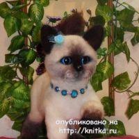 Вязаная игрушка котенок – работа Котельниковой Ирины
