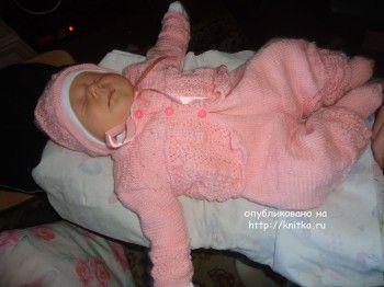Костюмчик для новорожденного – работа Лилии. Вязание спицами.