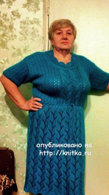 Вязаное спицами платье – работа Валентины. Вязание спицами.