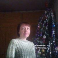 Вязаный спицами свитер – работа Альбины Петровны