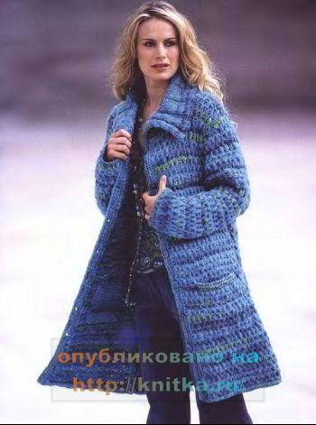 Голубое вязаное спицами пальто для женщин