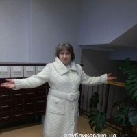 Вязаное пальто – работа Евгении