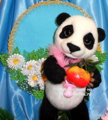 Панда в смешанной технике – работа Ирины. Вязание спицами.